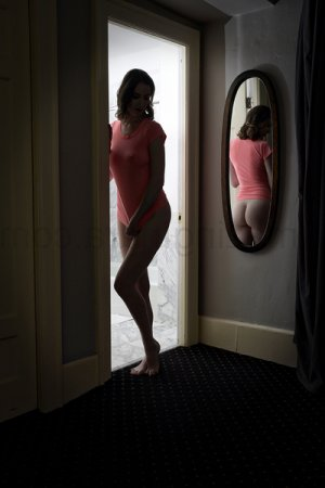 Marie-adeline erotic massage in Rutland
