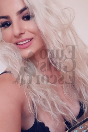 Noure live escort and erotic massage