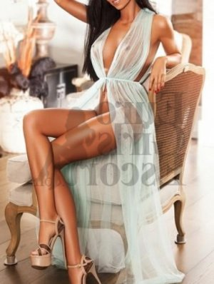 Maria-cristina escort girl in Newark Delaware and thai massage