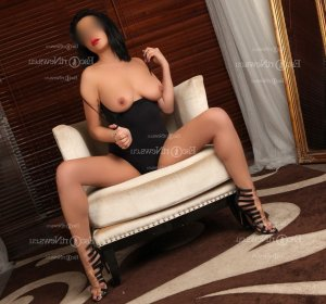 Keyliana nuru massage & escort girl