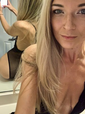 Jeanie erotic massage in Huntington Station New York