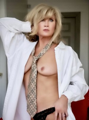 Pomeline escort girl in Richland Washington & erotic massage